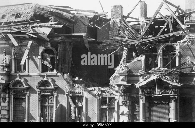 8 1918 12 0 A3 Street battles Dec 1918 Destroyed house Berlin Revolution 1918 19 Street battles in Berlin December - Stock Image