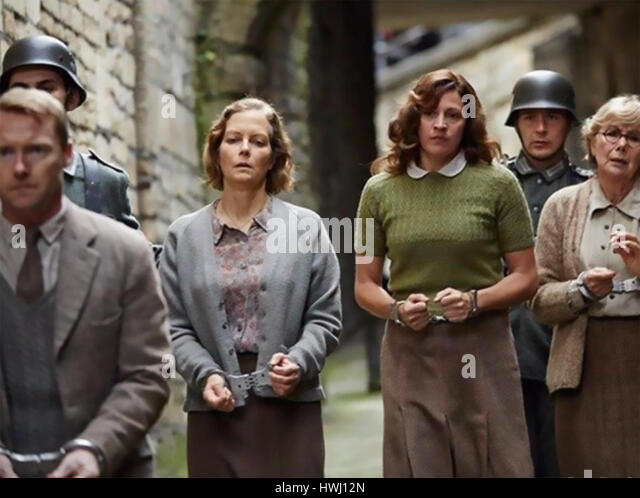 ANOTHER MOTHER'S SON 2017 Bill Kenwright Films production with John Hannah at left with Jenny Seagrove - Stock-Bilder