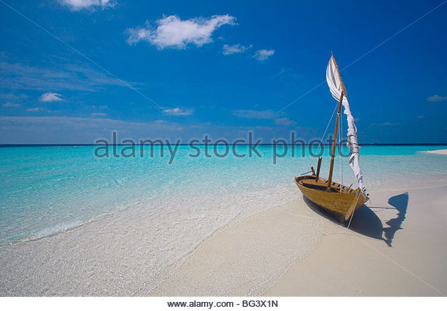 Traditional dhoni on the beach, Maldives, Indian Ocean, Asia - Stock-Bilder