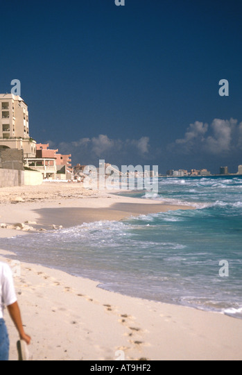 cancun mexico beach caribbean sea white sand hotels - Stock Image
