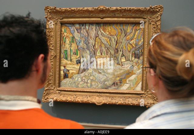 Cleveland Ohio University Circle Museum of Art impressionisitic painting visitor - Stock Image