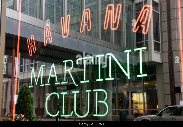 Ohio Cincinnati Fountain Square Havana Martini Club neon sign - Stock Image
