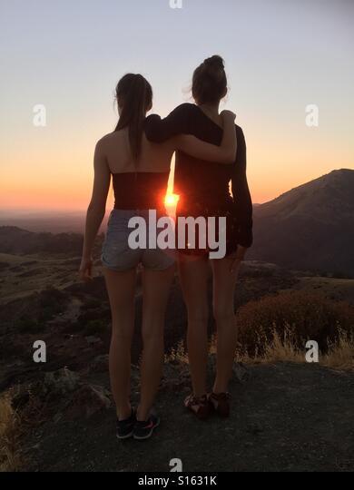 Teenaged girls together - Stock-Bilder