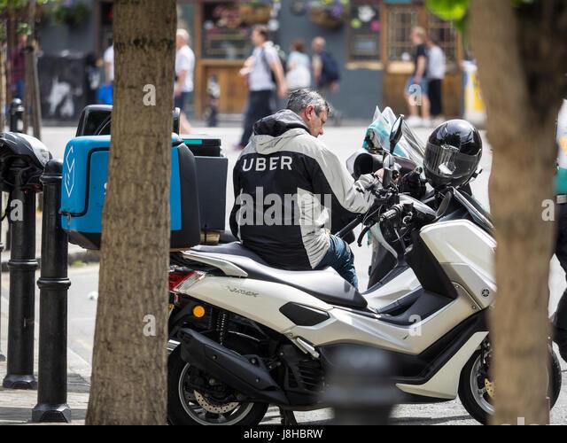 Uber Eats Stock Photos Amp Uber Eats Stock Images Alamy