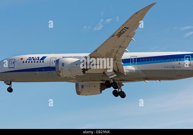 Boeing 787 Dreamliner fuselage, wing and landing gear - Stock Image