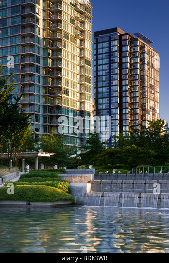 Residential buildings along the waterfront, downtown Vancouver, British Columbia, Canada. - Stock Image
