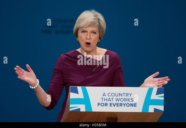 Birmingham. 5th Oct, 2016. British Prime Minister Theresa May delivers a speech on the final day of the Conservative - Stock Image