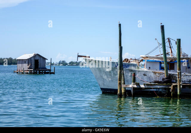 Florida Gulf of Mexico Cortez historic fishing village dock boat working waterfront - Stock Image