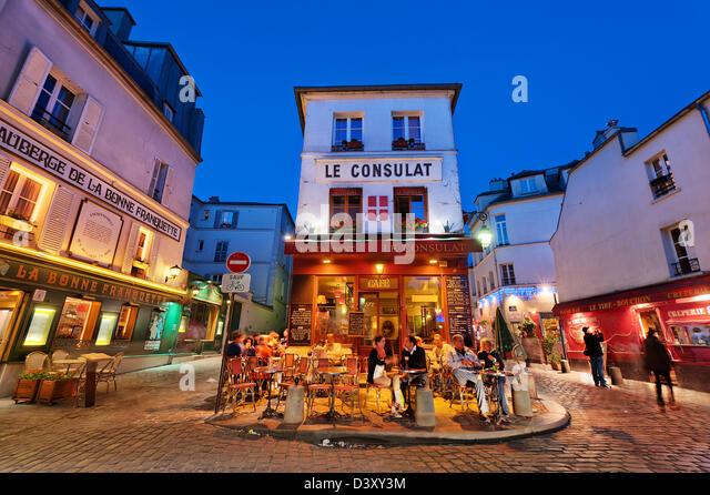 Montmartre stock photos montmartre stock images alamy for Le miroir restaurant montmartre