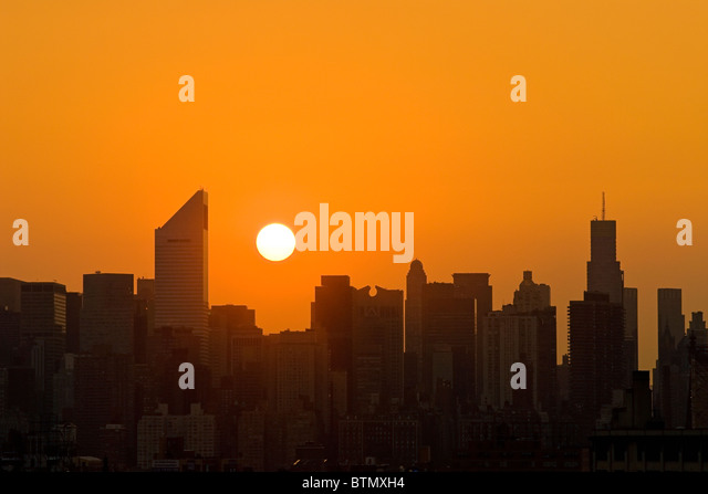 Skyline of Midtown Manhattan with the Citicorp Center, at sunset, New York City. - Stock-Bilder