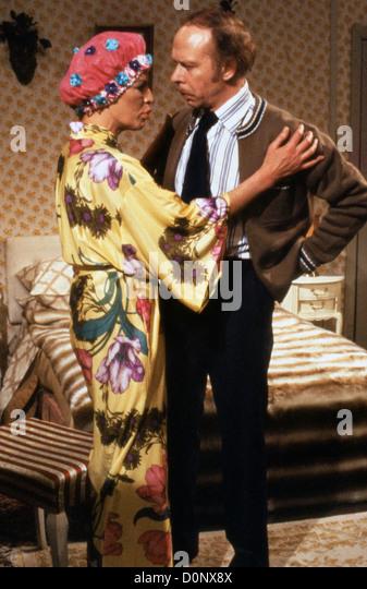 GEORGE & MILDRED (1980) GEORGE AND MILDRED (ALT) YOOTHA JOYCE, BRIAN MURPHY, PETER FRAZER (DIR) GAM 002 MOVIESTORE - Stock Image