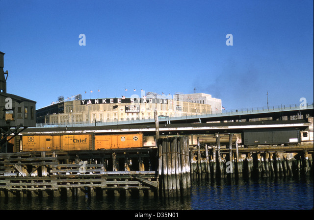 Vintage October 1958 photograph, Yankee Stadium from the Harlem River, New York. - Stock Image