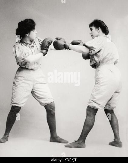 Bennett sisters boxing, circa 1910 - Stock Image
