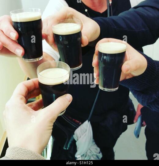 Cheers - Stock-Bilder