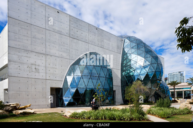 The New Salvador Dali Museum taken from the museum garden, St Petersburg, Florida, USA - Stock Image