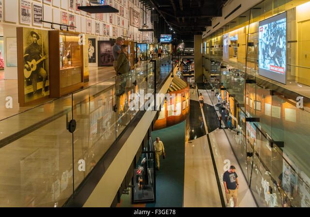 Foyer Museum Usa : Entrance country music hall fame stock photos