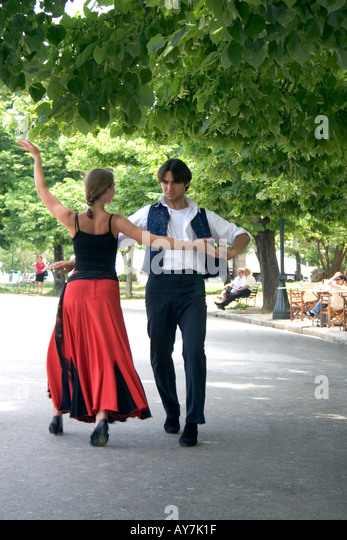 Greek dancers Spianada Kerkyra Corfu - Stock Image