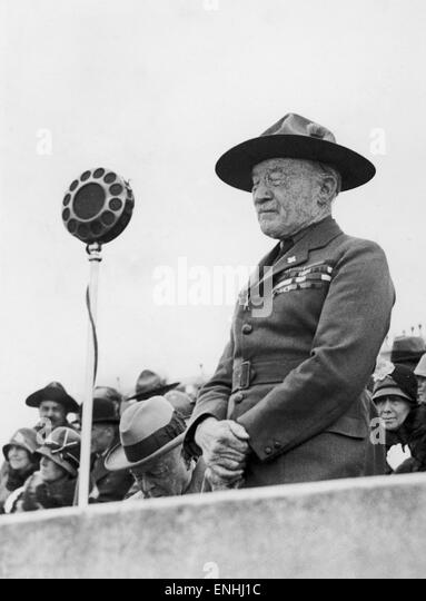 Lord Robert Baden-Powell, founder of the Scout Movement, addressing the assembly at West Kirby when Hungarian sea - Stock Image