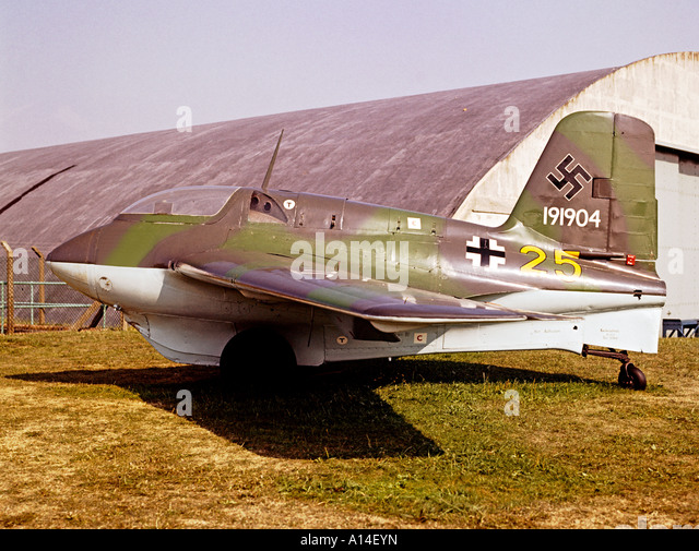 comet aeroplane stock photos comet aeroplane stock images alamy. Black Bedroom Furniture Sets. Home Design Ideas