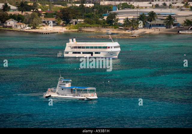 aerial George Town Grand Cayman scenic landscape aerial water tour boats shoreline - Stock Image