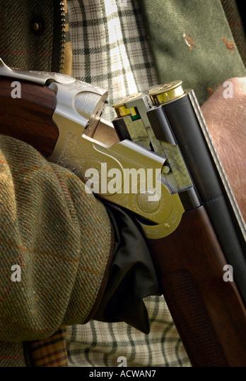 23 3 2006 Cirencester UK Gun and cartridges Photo Simon Grosset - Stock Image