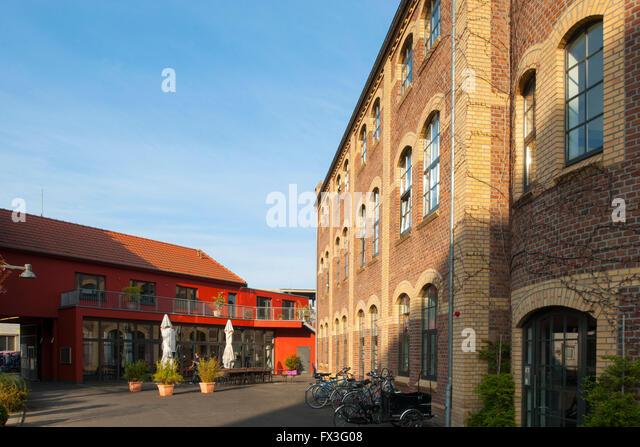 Köln, Ehrenfeld, Lichtstrasse, Vulkan-Gelände, ehemalige Vulkanwerke. Architektur des revitalisierten - Stock-Bilder