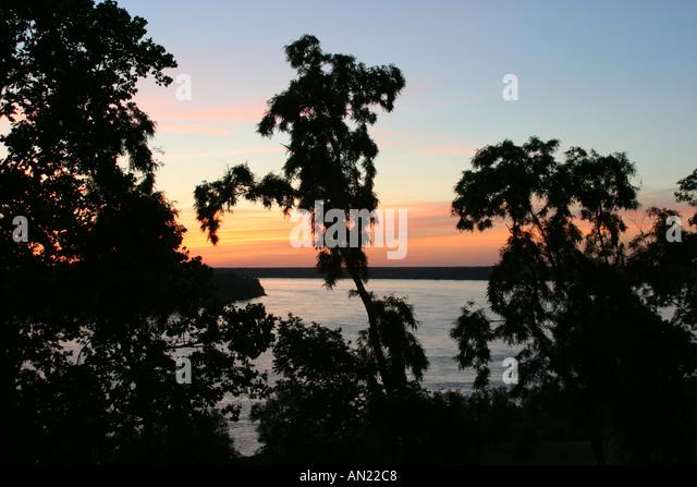 Mississippi Vicksburg Mississippi River dusk - Stock Image