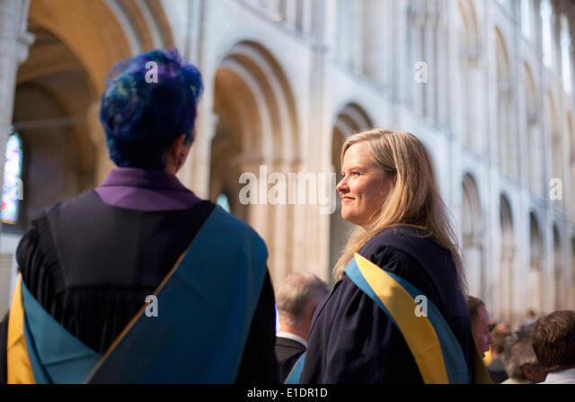 Ely, Cambridgeshire, UK. 31st May, 2014. New Open University graduates attend degree ceremony at Ely Cathedral in - Stock Image