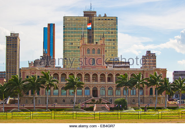 The Presidential palace and other office buildings in downtown Asuncion, Paraguay. - Stock Image