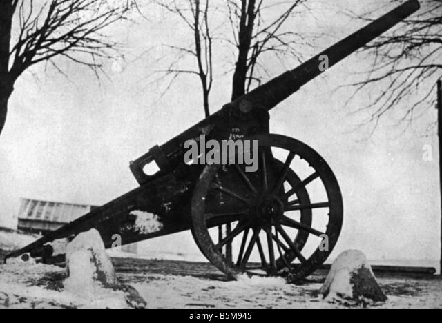 WWI Eastern Front Captured Rus ordnance History WWI Eastern Front Captured Russian ordnance Photo Kuehlewindt undated - Stock Image