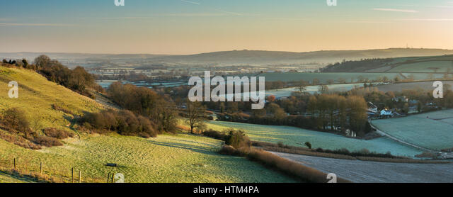 A frosty morning in the Blackmore Vale from Gales Hill, nr Buckland Newton, Dorset, England, UK - Stock-Bilder