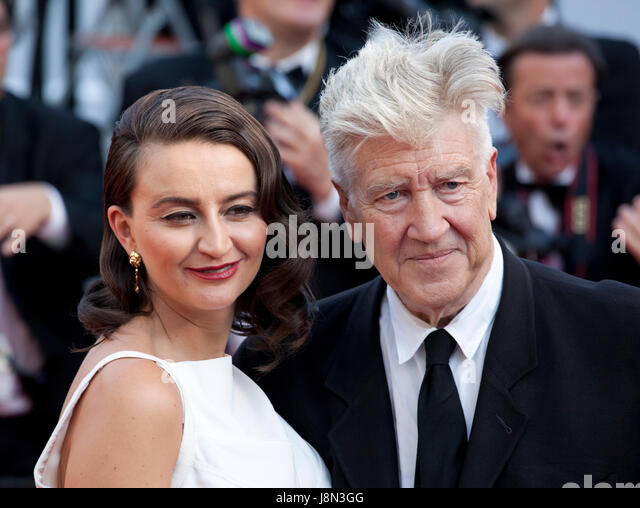 Cannes, France. 28th May, 2017. Emily Stofle and director David Lynch arriving to the Closing Ceremony and awards - Stock Image