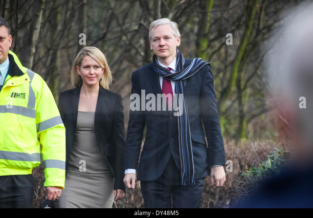 Wikileaks founder Julian Assange and his lawyer, Jennifer Robinson arrive at Belmarsh Magistrates court in Woolwich, - Stock Image