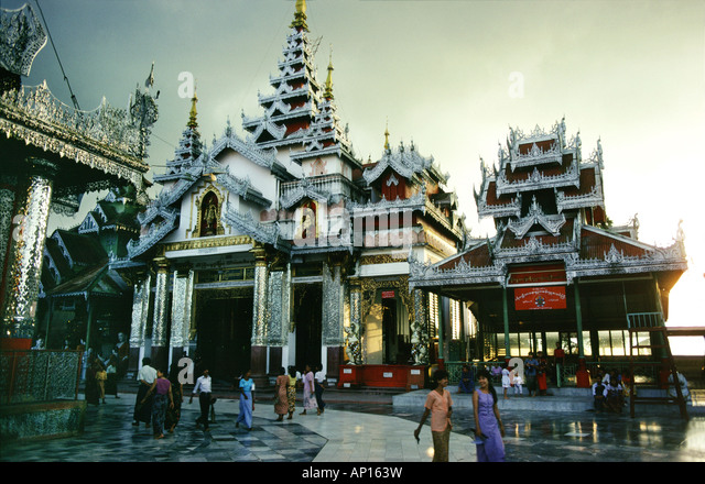 Temple beside Shwedagon Pagoda, Rangoon, Myanmar, Asia - Stock-Bilder