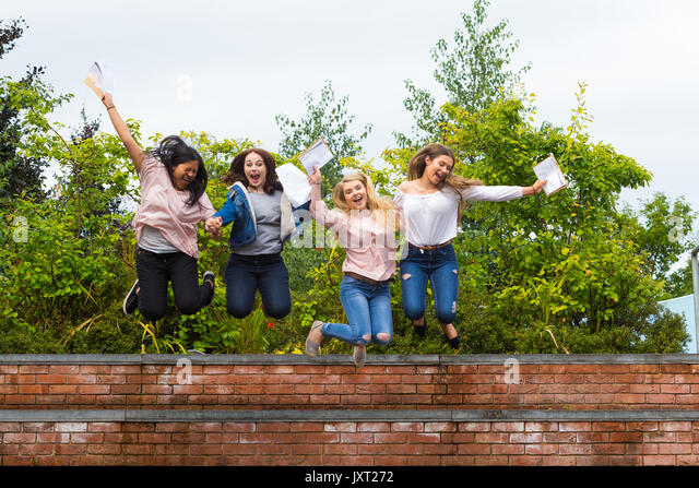 Bromsgrove, Worcs, UK. 17th Aug, 2017. GCE Advanced Level school and college students in England and Wales receive - Stock Image