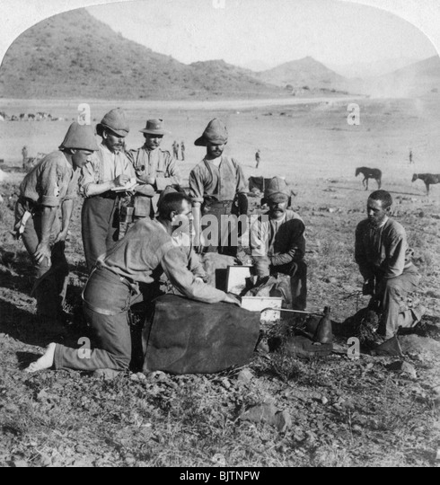 Making gas for one of the war balloons at Slingersfontein, South Africa, Boer War, 1900. - Stock Image