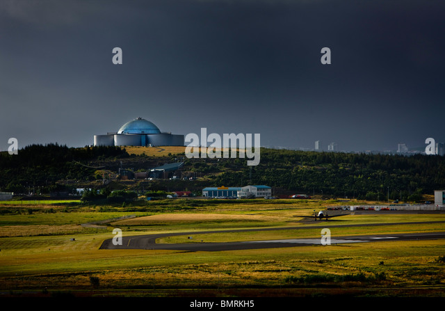Iceland, Reykjavik With its silvery glass domes the Perlan is Reykjavík's most recognizable landmark. - Stock Image