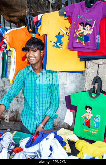 Mumbai India Asian Karmaveer Bhaurao Patil Marg Mantralaya Fort Mumbai Fashion Street shopping sidewalk vendor clothing - Stock Image