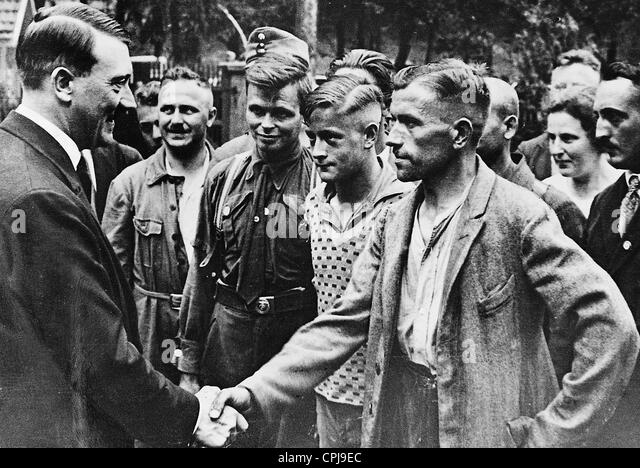 Adolf Hitler with workers, 1934 - Stock-Bilder