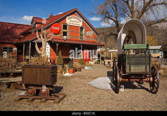 Antique store in El Jebel, Aspen region, Rocky Mountains, Colorado, USA, North America - Stock Image