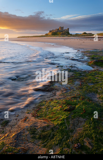 the beach at Bamburgh Castle Northumbria England UK - Stock-Bilder