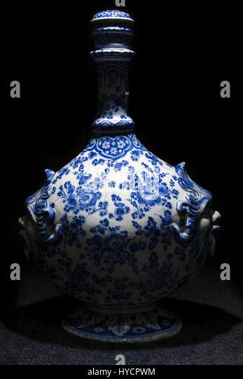 Pilgrim's Flask, Delft China, Gemeentemuseum, The Hague, Netherlands, Europe - Stock Image