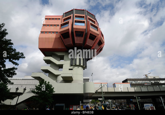 Berlin. Germany. Bierpinsel, unusual 1970's bar & restaurant building in Stegliz. - Stock-Bilder