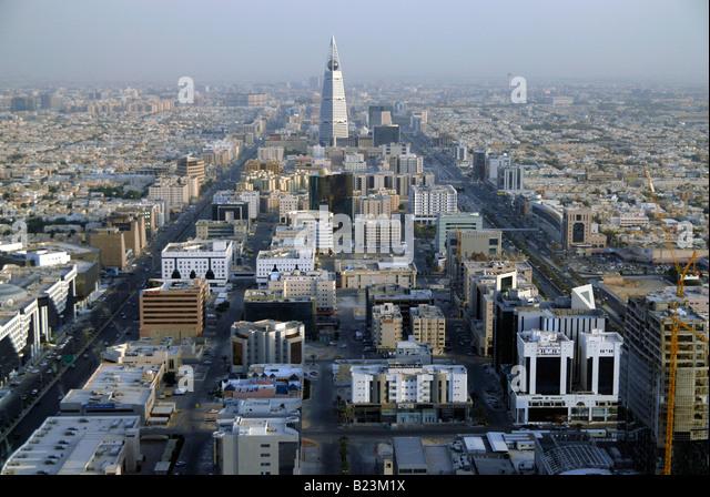 View over Riyadh with the Al Faisaliah Tower dominating the skyline, Saudi Arabia - Stock Image