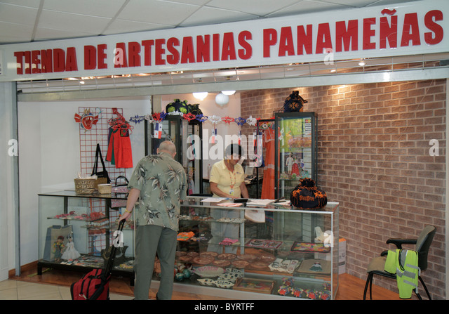 Panama City Panama Aeropuerto Tocumen airport PTY shopping terminal concession Panamanian handicrafts souvenirs - Stock Image