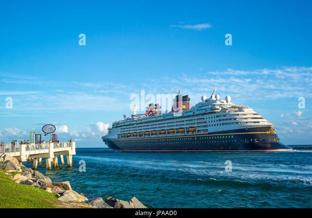 Cruise Ship Leaving Miami Stock Photos Amp Cruise Ship Leaving Miami Stock Images Alamy