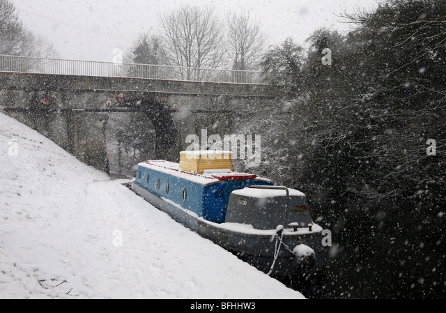 snow,snowing,canal,travel,narrow boat,travel,cold - Stock-Bilder