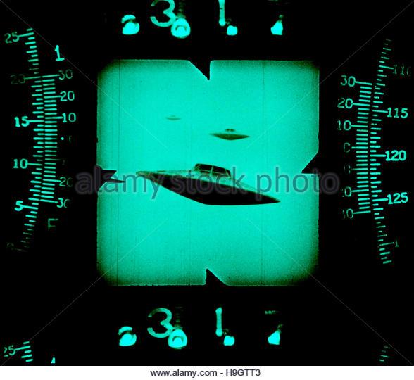 UFO flying saucer scope sighting retro mid century atomic space age - Stock Image