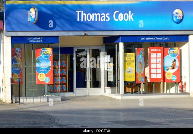 Travel agent Thomas Cook store shop front window - Stock-Bilder