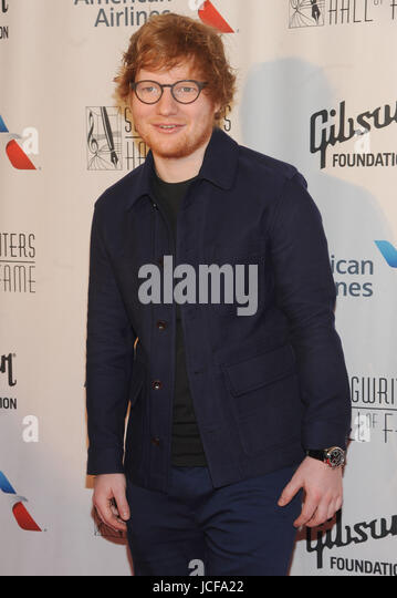 NEW YORK, NY - JUNE 15 :Ed Sheeran attends the 2017 Songwriters Hall Of Fame Gala at the Marriott Marquis Hotel - Stock-Bilder